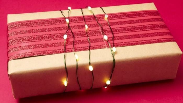 geschenke origenell verpacken weihanchtsbasteln geschenkideen mit lichterkette