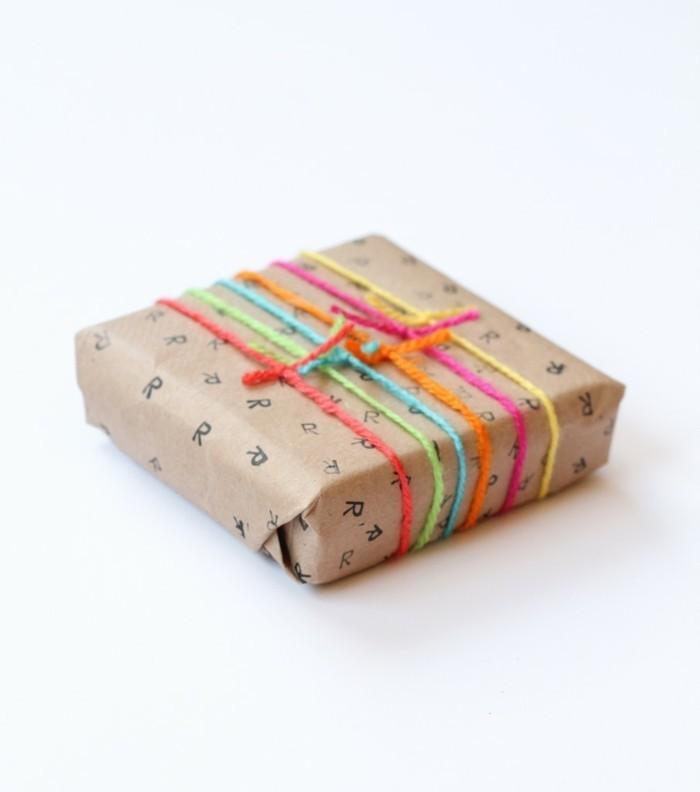 geschenkpapier weihnachten diy ideen buchstaben