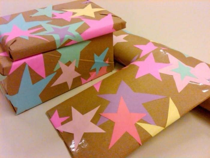 geschenkpapier weihnachten diy ideen bunte sterne