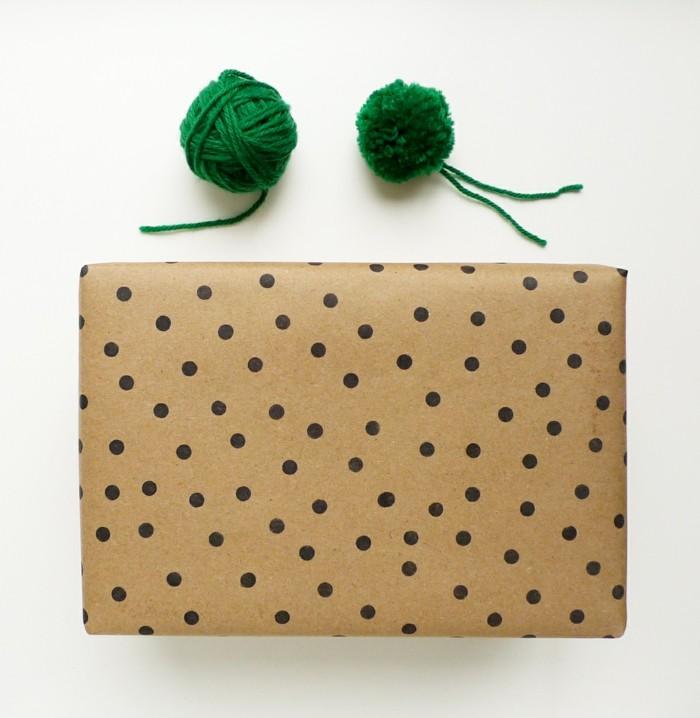 geschenkpapier weihnachten diy ideen gepunktet