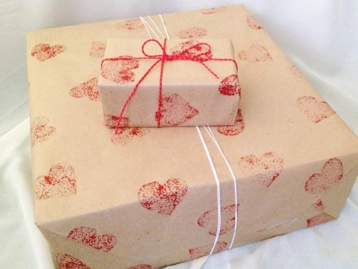 geschenkpapier weihnachten diy ideen lustige herzen