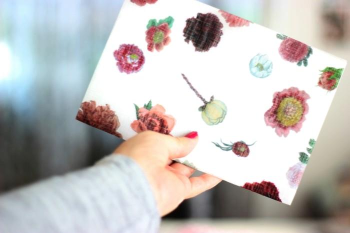 geschenkpapier weihnachten diy ideen serviettentechnik