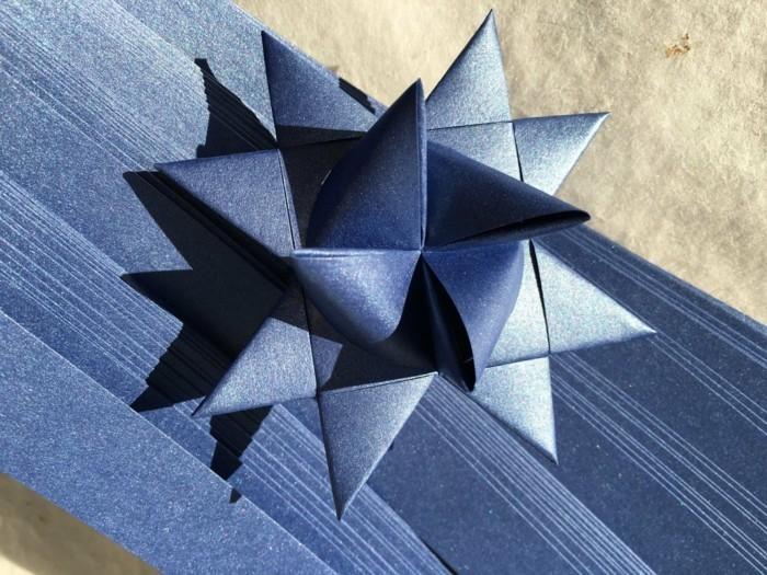 geschenkverpackungen dekorieren fröbelstern basteln geschenkpapier