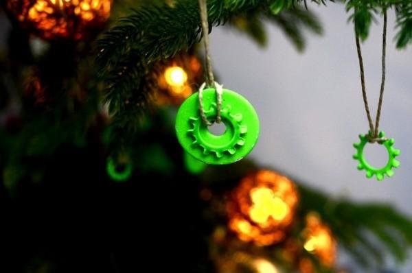 glänzender weihnachtsbaumschmuck ideen