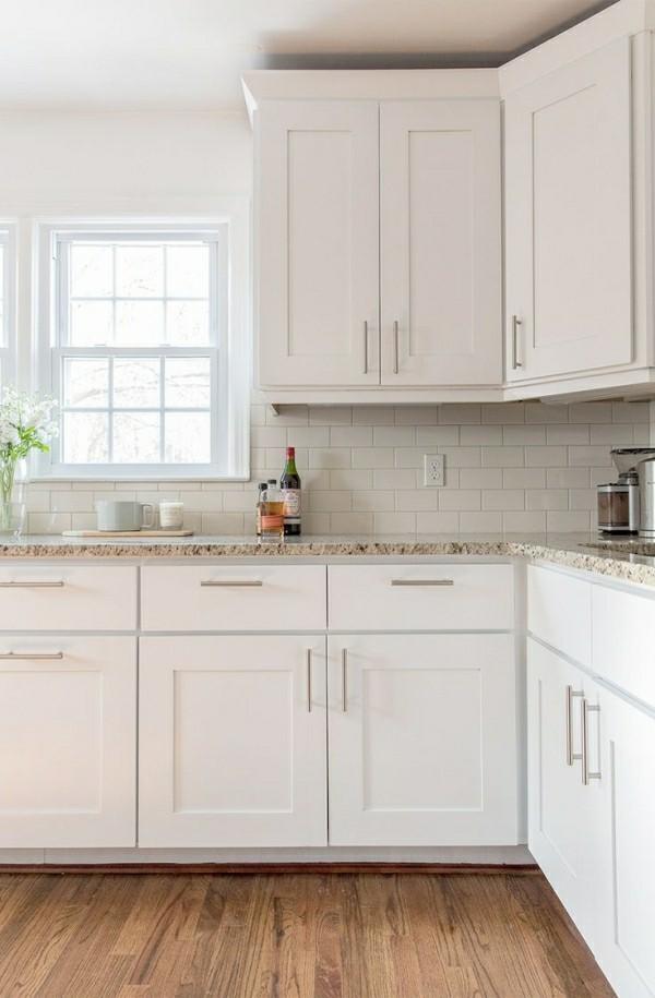 küchenmöbel küchenschränke weiß und braun