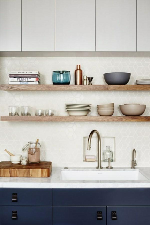 küchenoberschränke über offenen regalen tolle kombination