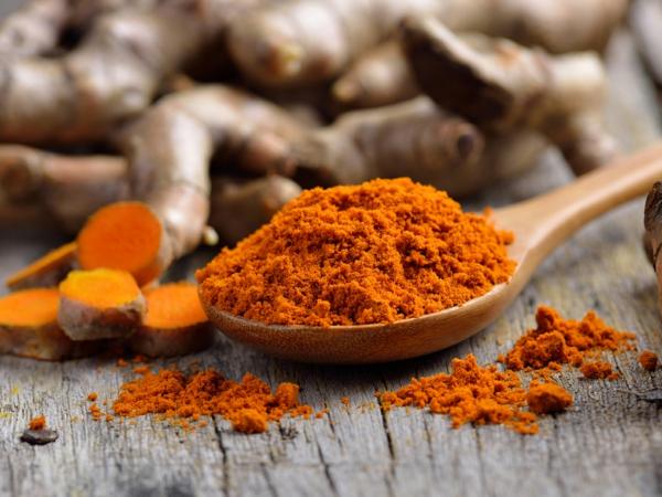 kurkuma gesund was hilft gegen rückenschmerzen