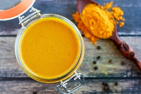 mandelmilch kurkuma gesund was hilft gegen rückenschmerzen