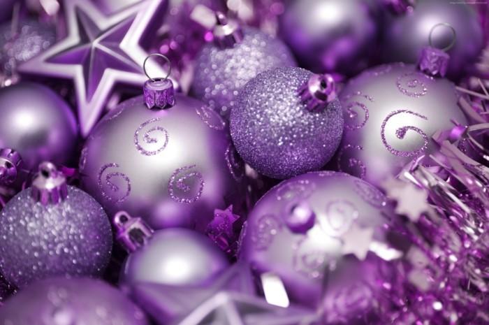 tannenbaum schmuecken deko ideen weihnachtsschmuck lila