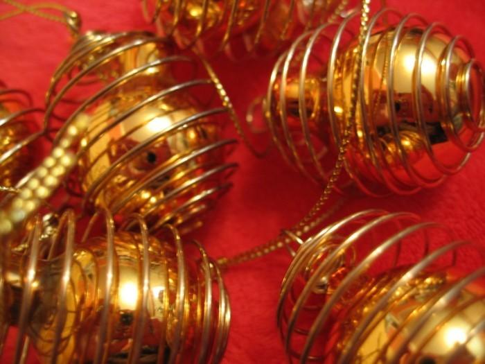 tannenbaum schmuecken deko ideen weihnachtsschmuck schleife