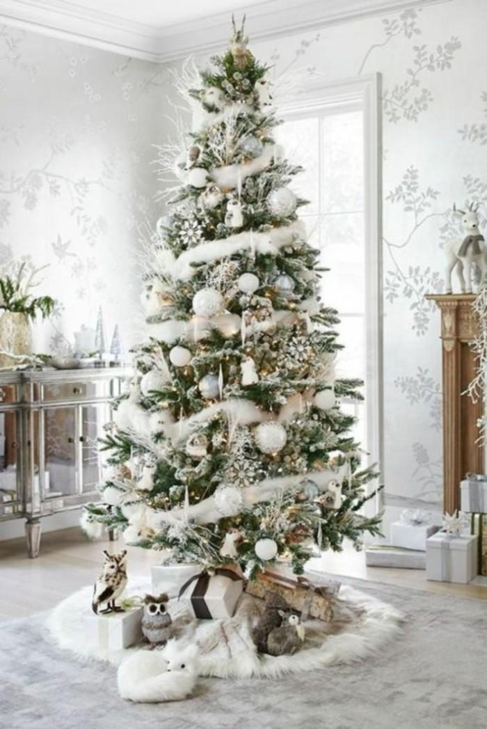 tannenbaum schmuecken deko ideen weihnachtsschmuck schnee