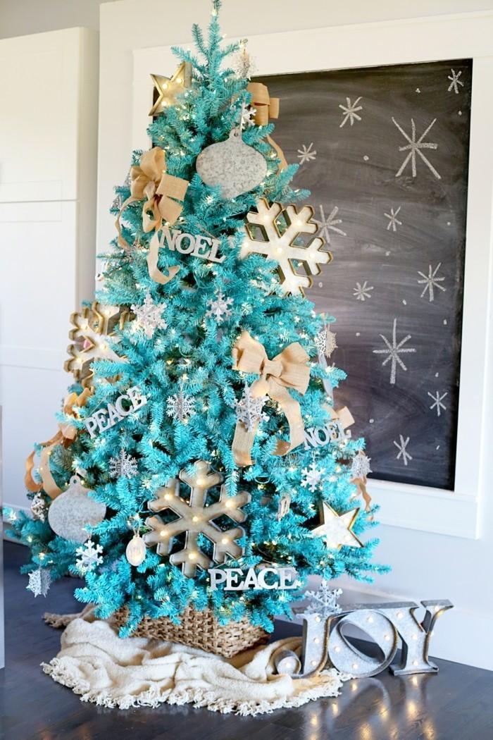 tannenbaum schmuecken deko ideen weihnachtsschmuck schneeflocke