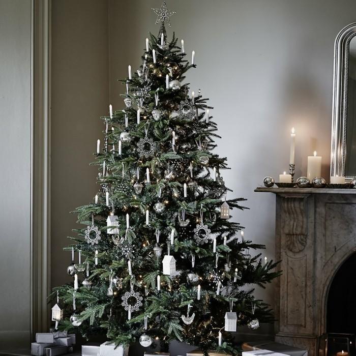 tannenbaum schmuecken deko ideen weihnachtsschmuck silber