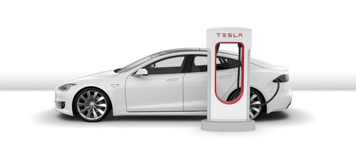 tesla elektrisches auto strom sparen