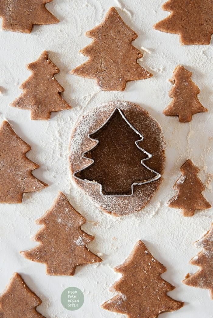 vegan backen einfache kekse tannenbaeume