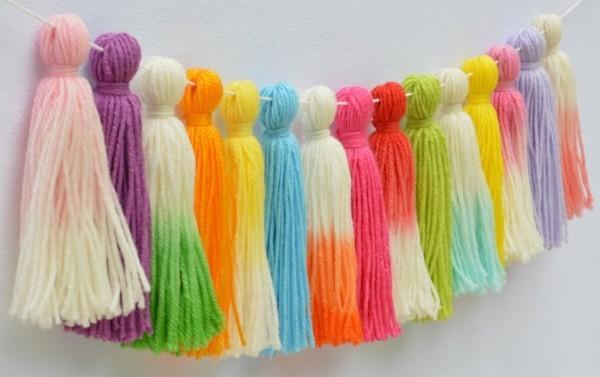 verschiedene farben quasten kette