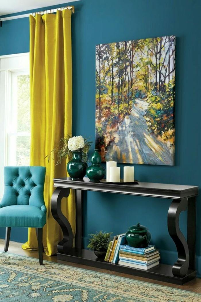 wandfarbe petrol gelbe gardinen eleganter teppich schöne dekoartikel