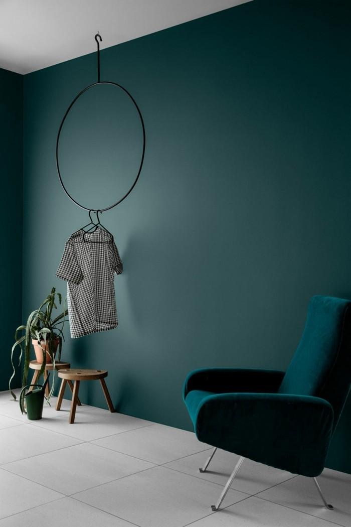 Wandfarbe Petrol Schöner Wohnbereich Pflanzen Moderner Sessel