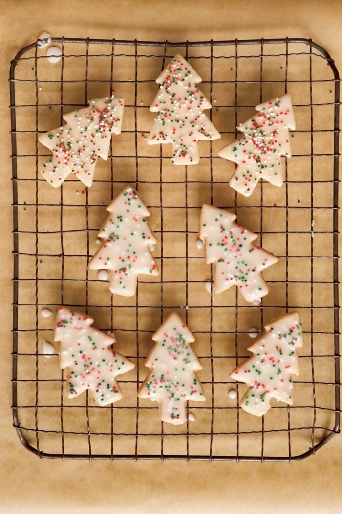 weihnachtsbäume kekse plätzchen backen weihnachtsdessert