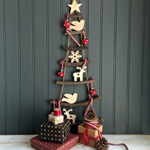 weihnachtsbaum basteln leiter hoelzerne accessoires geschenke