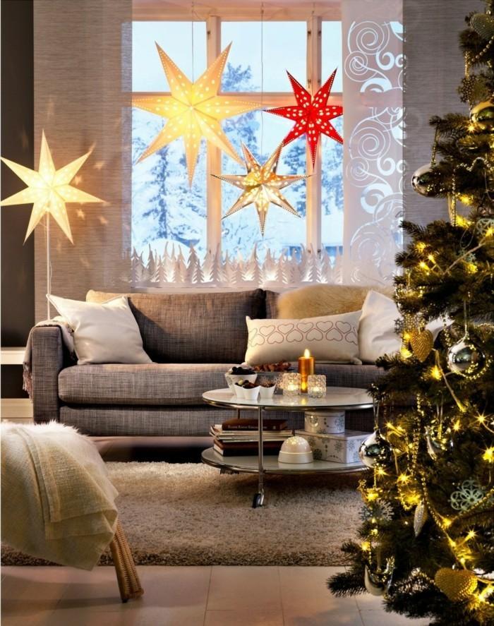 weihnachtsdeko fenster große weihnachtssterne stilvoller weihnachtsbaum