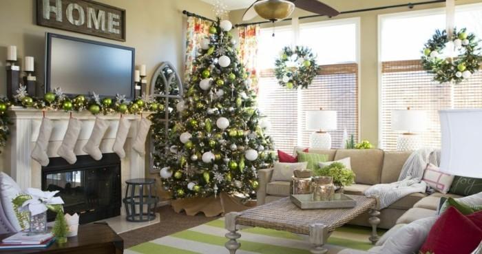weihnachtsdeko fenster weihnachtskränze tannenbaum