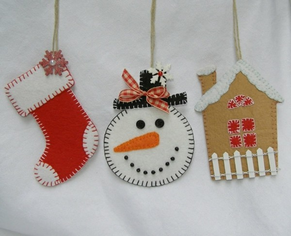 weihnachtsdeko selber basteln schneemann weihnachtssocken christbaumschmuck