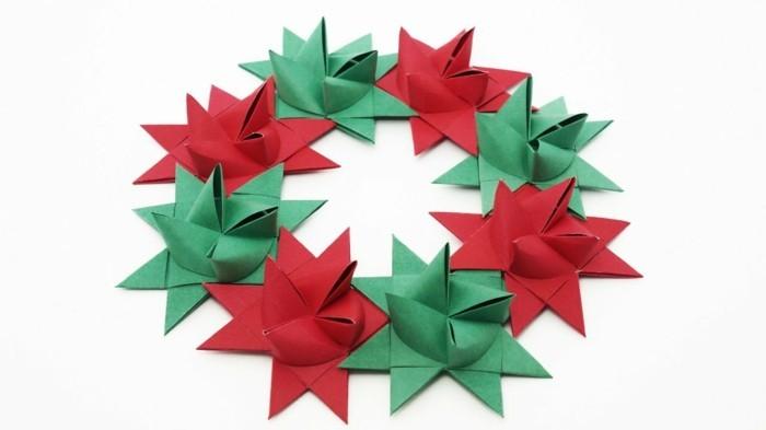 weihnachtskranz fröbelstern basteln grün rot