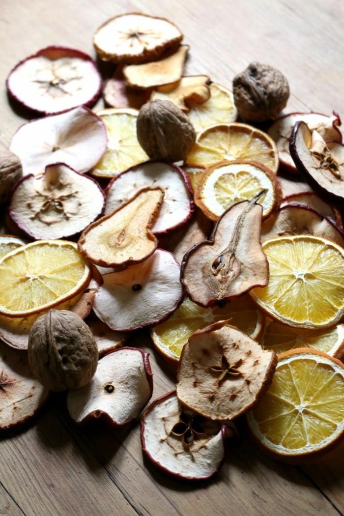 weihnachtsschmuck basteln mit naturmaterialien proyes des trocknens aepfeln und birnen