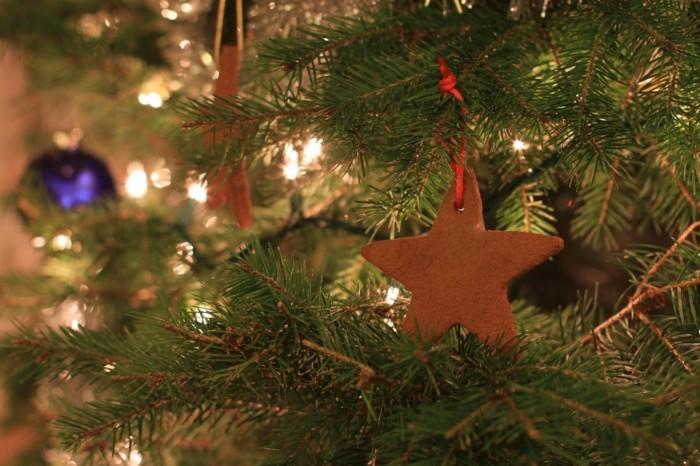 weihnachtsschmuck basteln mit naturmaterialien weihnachtskekse christbaumschmuck zimtstern