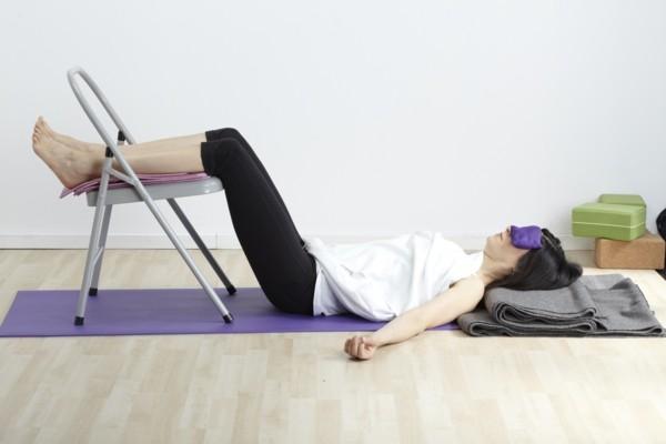 yoga übungen gymnastik was hilft gegen rückenschmerzen
