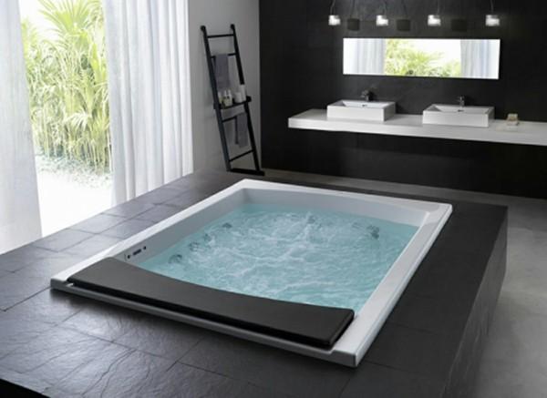 Badezimmerdesign Badewanne blau