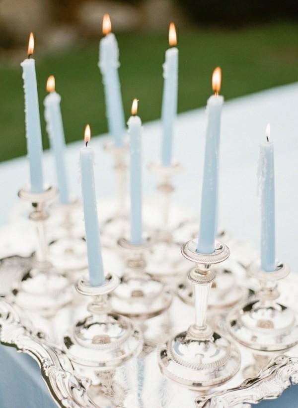 Blaue Kerzen mit metallic Kerzenständer selber machen