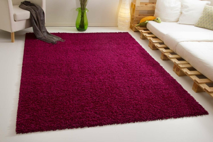 Bordeaux Farbe Teppich