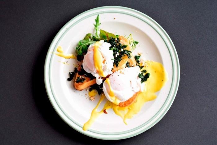 Eierspeise vorzüglicher Geschmack perfekt arrangiert serviert