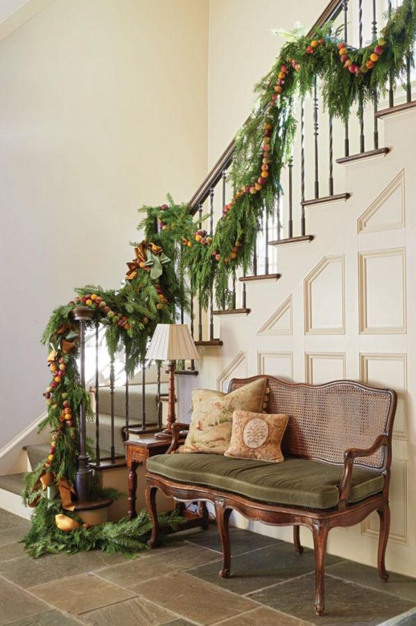 Einfache Weihnachtsdeko im Treppenhaus ideen