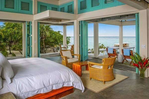 Großzügig eingerichtetes Schlafzimmer Insel Cayo Espanto