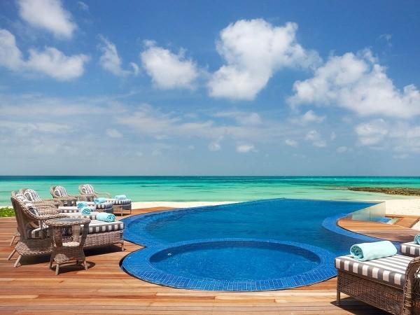 Inseln am Pool