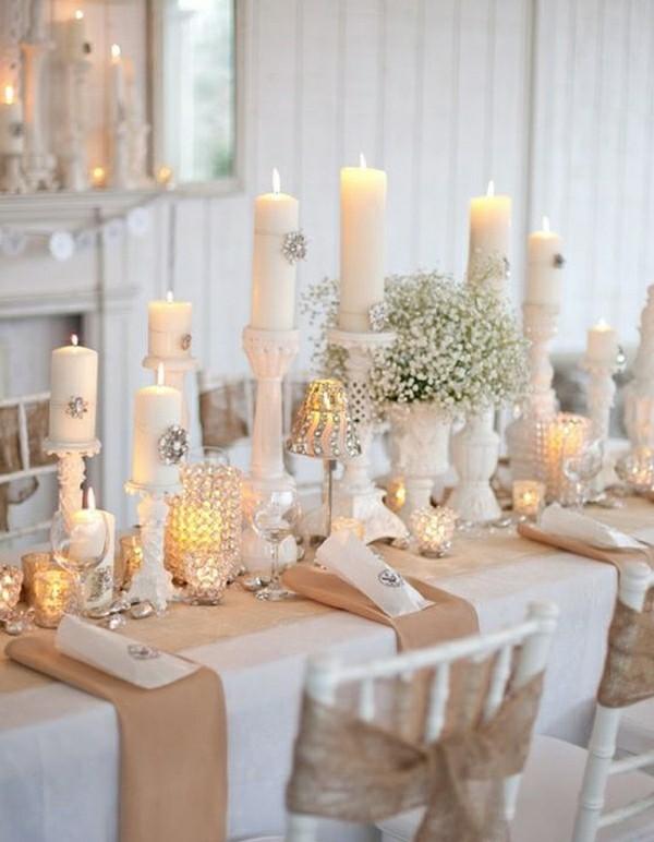 Kerzen auf verschiedenen Höhen Hochzeitsdekoration