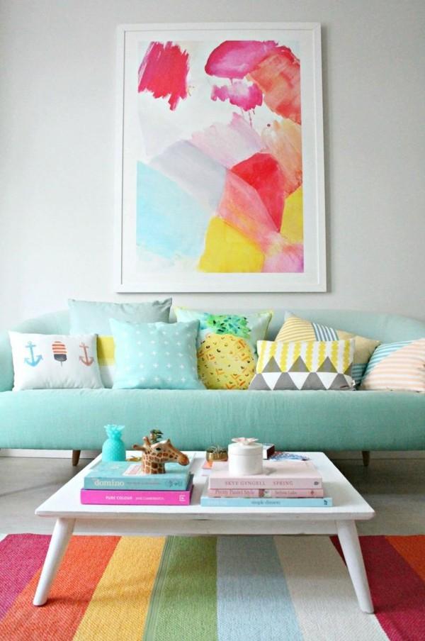 Pastellgrün Wandfarbe akzentreiche Wohnzimmergestaltung