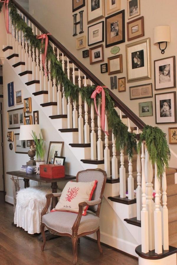 Schöne Weihnachtsdeko Treppenhaus