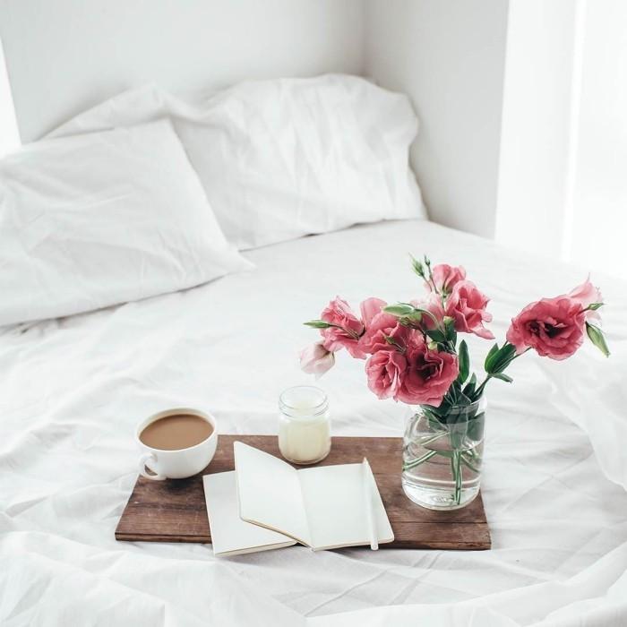 Tablett Blumen Tasse Kaffee