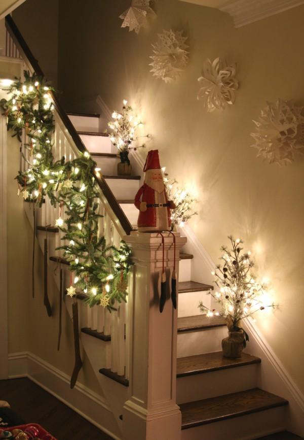 Treppenhaus dekorieren Weihnachtsbeleuchtung ideen