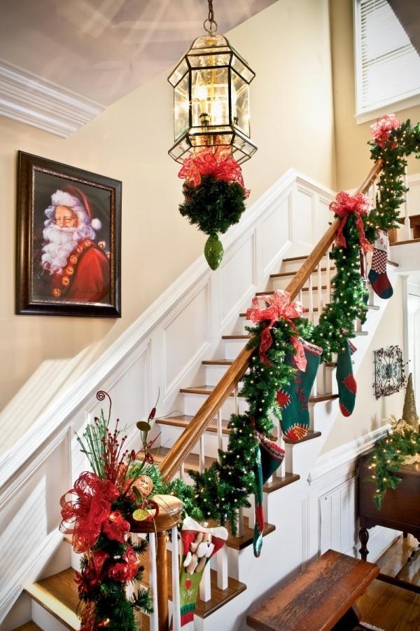 Treppenhaus weihnachtlich dekorieren