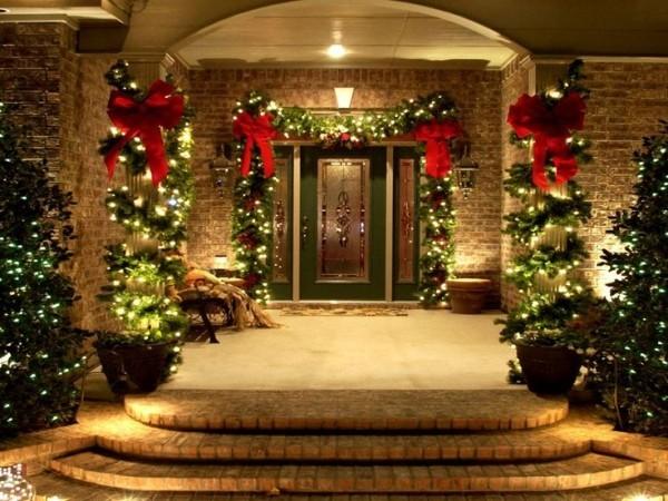 Weihnachtsbeleuchtung außen Hauseingang