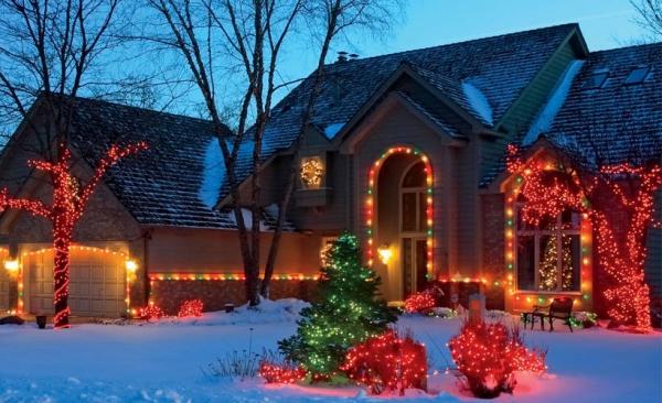 Weihnachtsbeleuchtung außen Winter