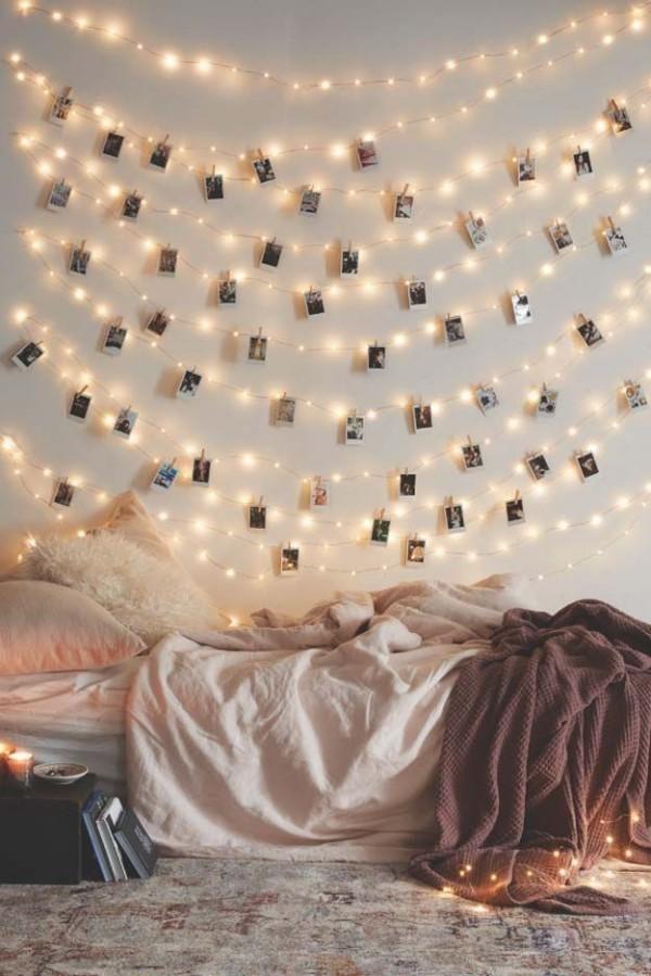 Weihnachtsbeleuchtung drinnen Jugendzimmer