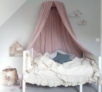 baldachin im kinderzimmer 42 ideen wie sie das kinderzimmer zu einem gem tlichen platz machen. Black Bedroom Furniture Sets. Home Design Ideas