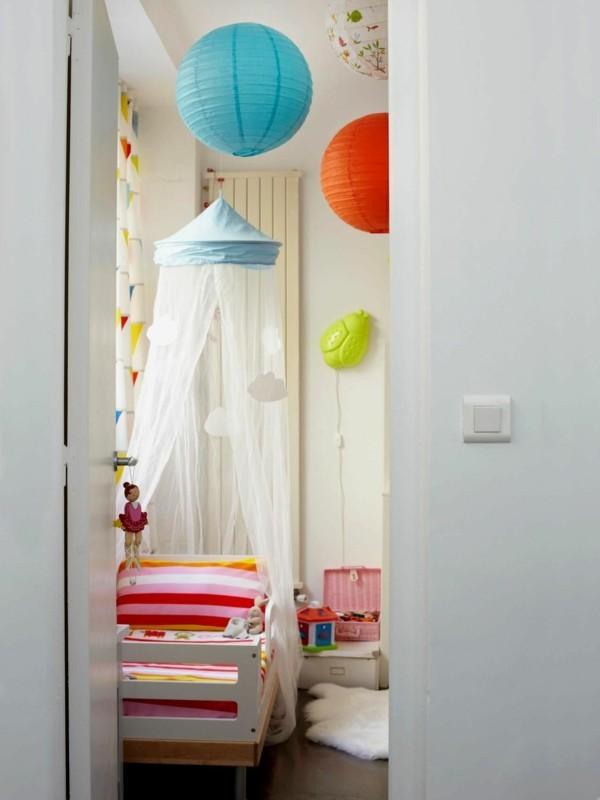 baldachin kinderzimmer kleines kinderzimmer farbige streifenmuster