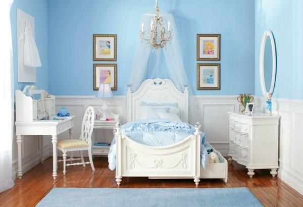 baldachin kinderzimmer romantisches flair mädchenzimmer hellblaue wände